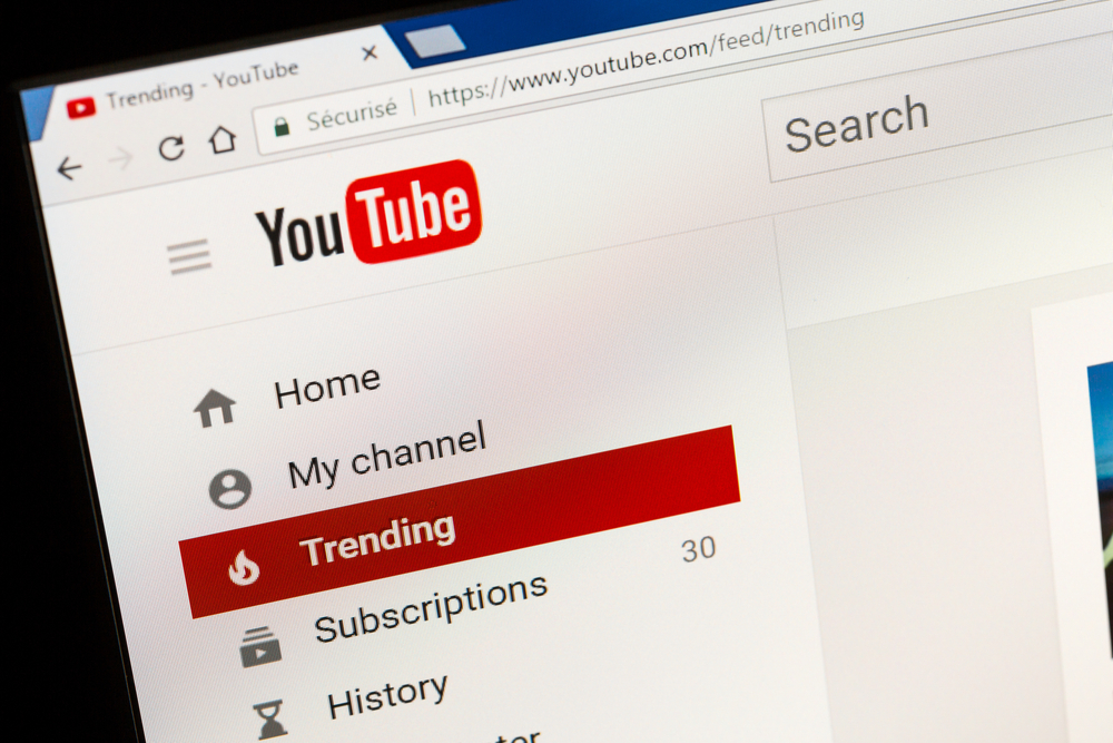 LGBTQ YouTubers Sue YouTube, Claiming Discrimination